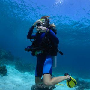scuba diving equalization using Valsalva or Toynbee method