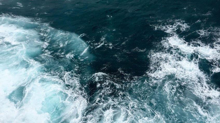drift diving in a current / Strömungstauchen